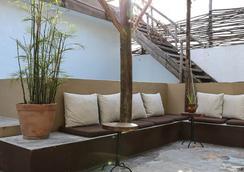 Teetotum Hotel Restaurant Lounge - Tulum - Lounge