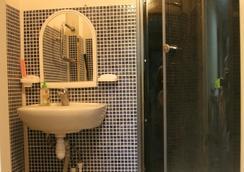Matershka City Hostel - Krasnoyarsk - Bathroom