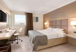 Ramada Sofia City Center - Sofia - Bedroom
