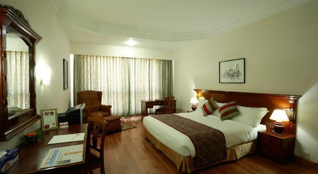 Hotel Pokhara Grande - Pokhara - Bedroom