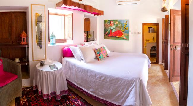 Xva Art Hotel - Dubai - Bedroom