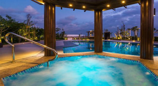 Belmont Hotel Manila - Pasay - Pool
