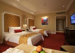 Maxims Hotel - Pasay - Bedroom