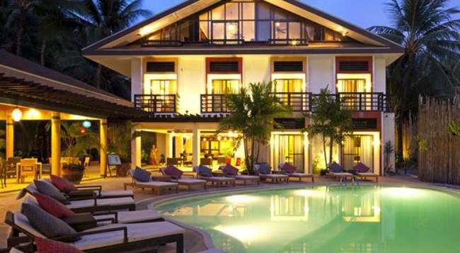 Microtel Inn & Suites by Wyndham Boracay - Malay - Building