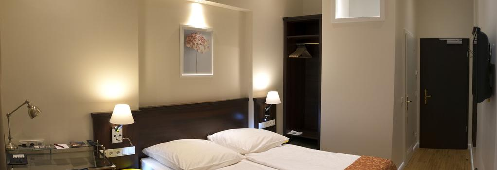 Rewari Hotel Berlin - Berlin - Bedroom