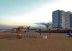 Ocean Place Resort And Spa - Long Branch - Beach