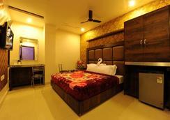 Hotel Pearl Inn & Suites - Amritsar - Living room
