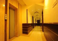 Hotel Pearl Inn & Suites - Amritsar - Lobby