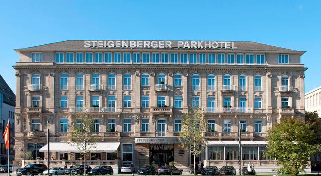 Steigenberger Parkhotel Düsseldorf - Dusseldorf - Building