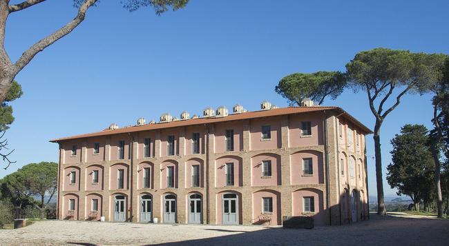 I Casali Del Pino - Rome - Building