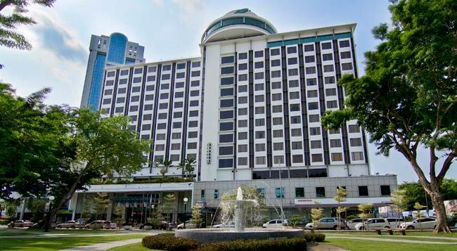 Bayview Hotel Georgetown Penang - George Town (Penang) - Building