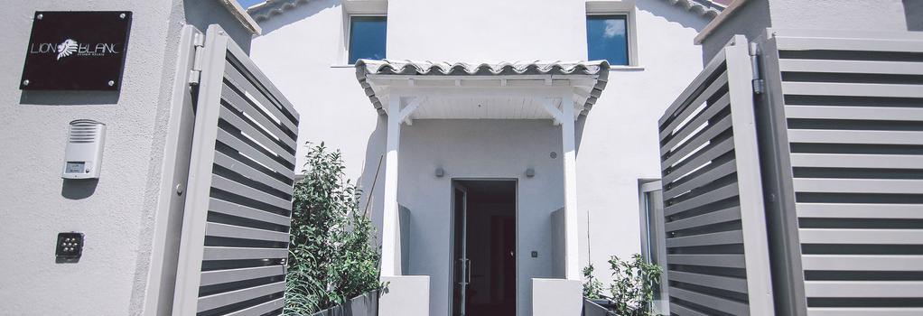 Lion Blanc - Saint-Tropez - Building