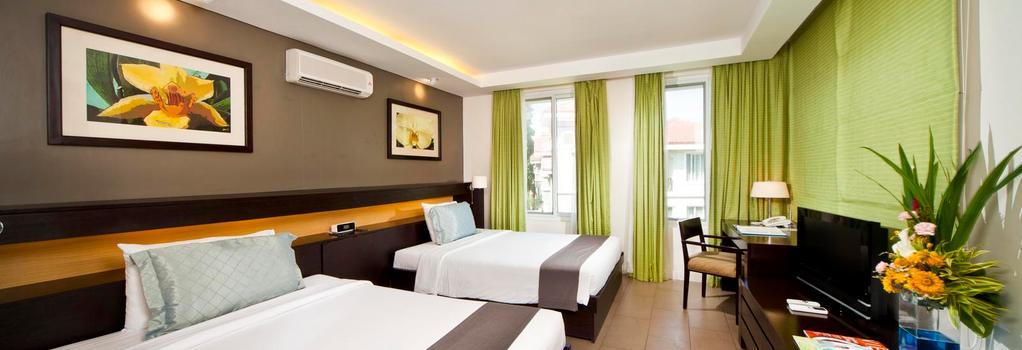 Fairways and Bluewater Newcoast Boracay - Malay - Bedroom