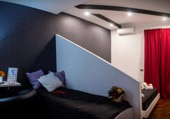 121 Candia Guest House - Rome - Bedroom