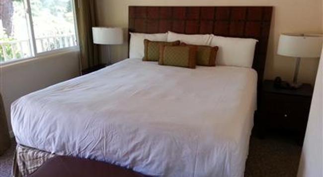 The Vendange Carmel Inn & Suites - Carmel-by-the-Sea - Bedroom