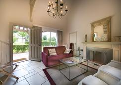 Les Manoirs de Tourgéville - Deauville - Bedroom