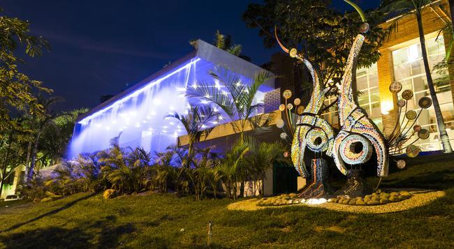 Camino Real Hotel - Santa Cruz de la Sierra - Outdoor view