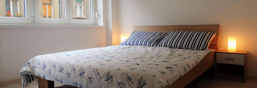 The Dots Hostel - Zagreb - Bedroom