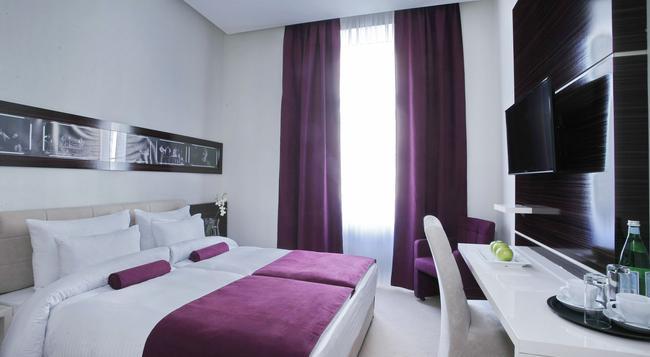 Hotel Theater - Belgrade - Bedroom