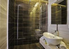 Hotel Theater - Belgrade - Bathroom