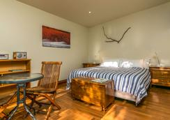 Driftwood Retreat - Blenheim - Bedroom