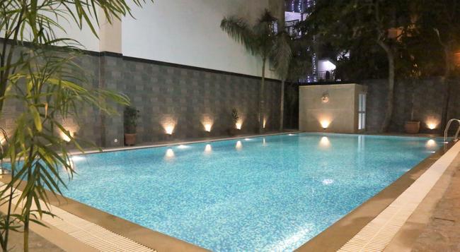 Hotel Eurasia - Jaipur - Pool