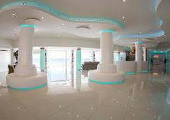 On Hotels Oceanfront Designed For Adults - Matalascañas - Lobby