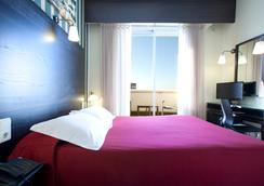 HRC Hotel - Madrid - Bedroom