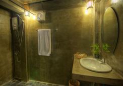 Old Khmer House 2 - Siem Reap - Bathroom