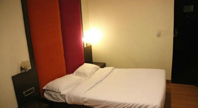 Stops Hostel Delhi - New Delhi - Bedroom