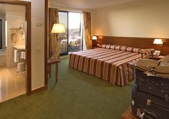 Hotel Real Parque - Lisbon - Bedroom