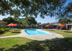 Blue Sky Lodge - Carmel Valley - Pool