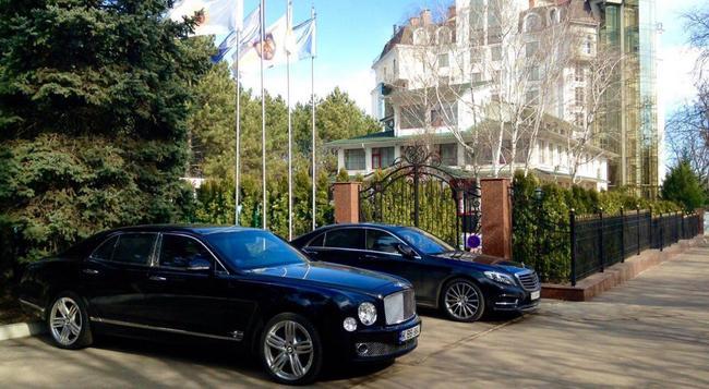 Club Royal Park - Chisinau - Building