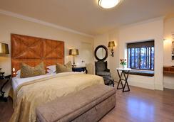 Hotel Heinitzburg - Windhoek - Bedroom