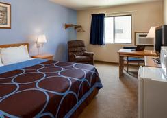 Super 8 Manhattan KS - Manhattan - Bedroom