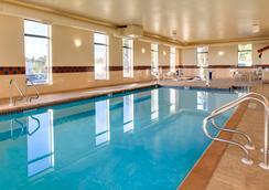 Hampton Inn Dubuque - Dubuque - Pool