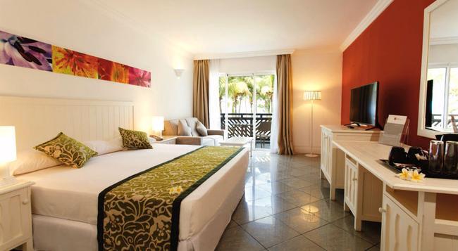 Riu Coral - Le Morne - Bedroom