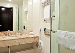 Alliance Greenwood Hotel - Moscow - Bathroom