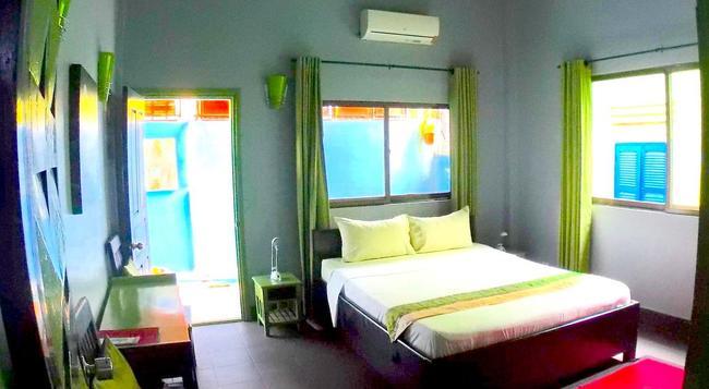 River Queen Guesthouse - Siem Reap - Bedroom