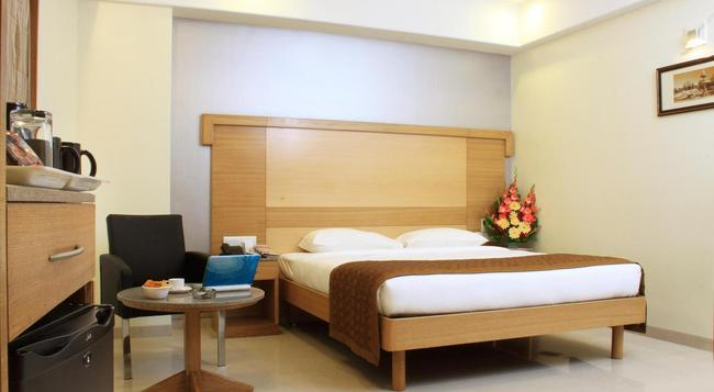 CRN Canary Sapphire - Bangalore - Bedroom