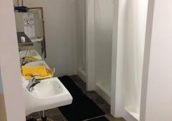 Hostel Habibi - San Diego - Bathroom