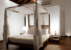 Sri Villas - Bentota - Bedroom
