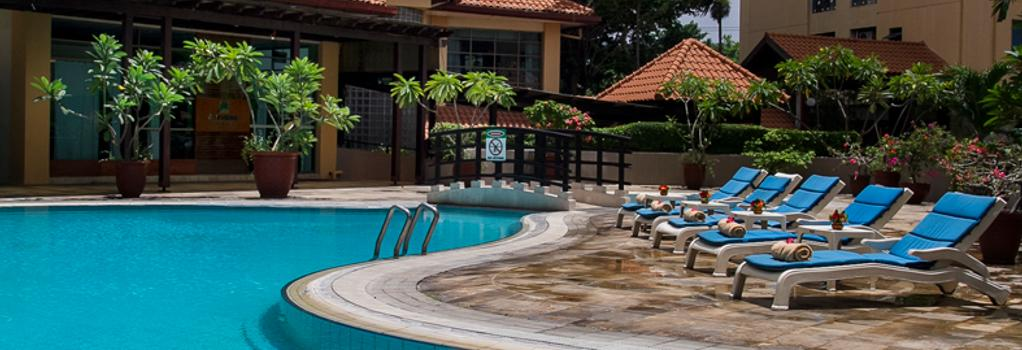 Verwood Hotel & Serviced Residence - Surabaya - Pool