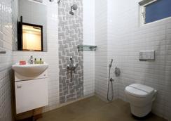 Fabhotel Monarch Jayanagar - Bangalore - Bathroom