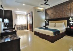 Fabhotel Majestica Inn Hitech City - Hyderabad - Bedroom