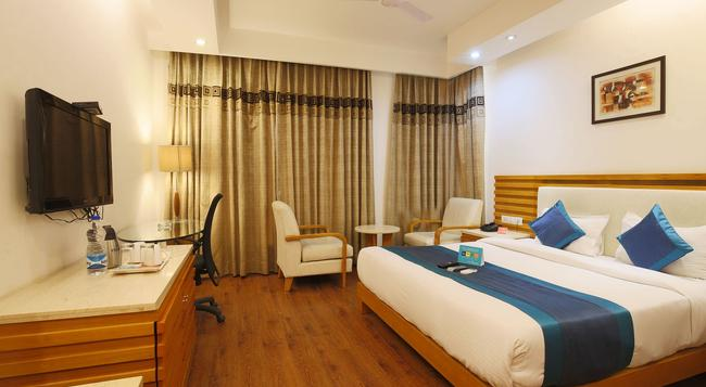 Fabhotel Phase 2 Dlf Square - Gurgaon - Bedroom