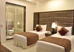 FabHotel Twin Tree Naraina - New Delhi - Bedroom
