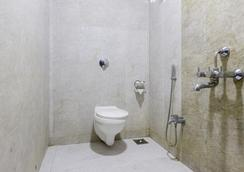 Fabhotel Mohan International Paharganj - New Delhi - Bathroom