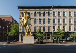 21c Museum Hotel Louisville - Louisville - Building