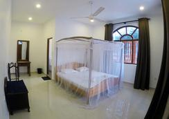 Angel Inn Guest House - Negombo - Bedroom